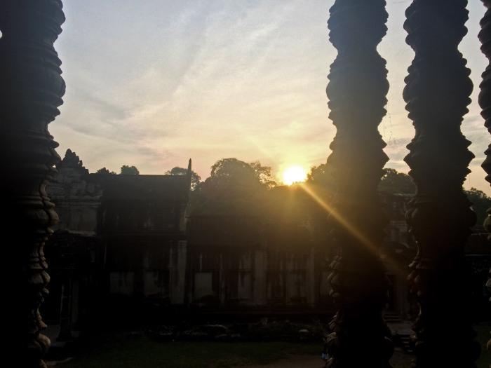 secret angkor wat sunrise